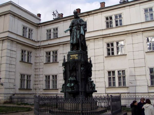 Pomník krále a císaře Karla IV.